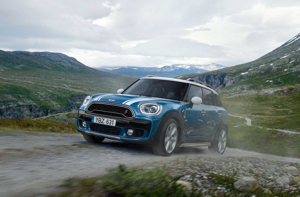 Kara5 launched the campaign: Add Stories. The New MINI Countryman.